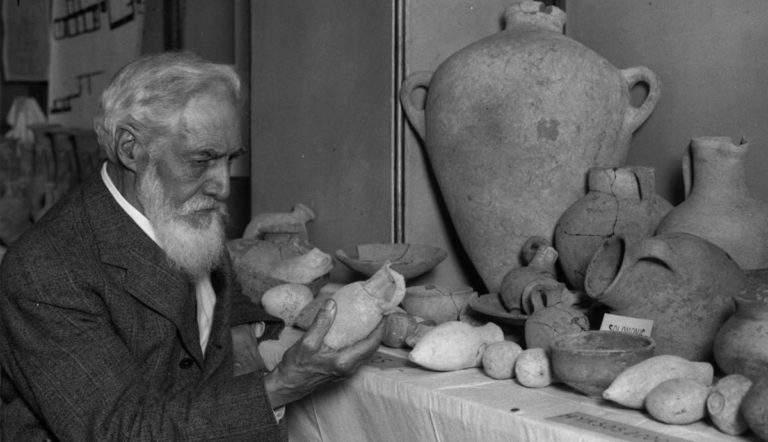 English Egyptologist Sir Flinders Petrie