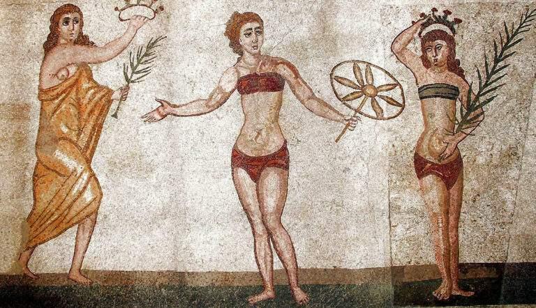 ancient roman clothing mosaic villa romana del casale